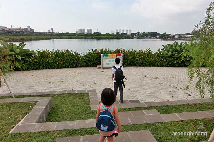 mini amfiteater taman kota ria rio jakarta