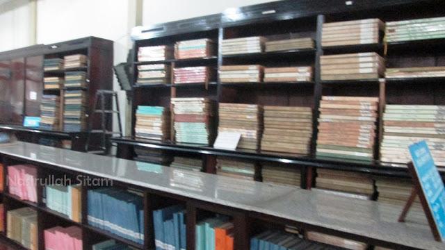 Tumpukan Kliping Koran