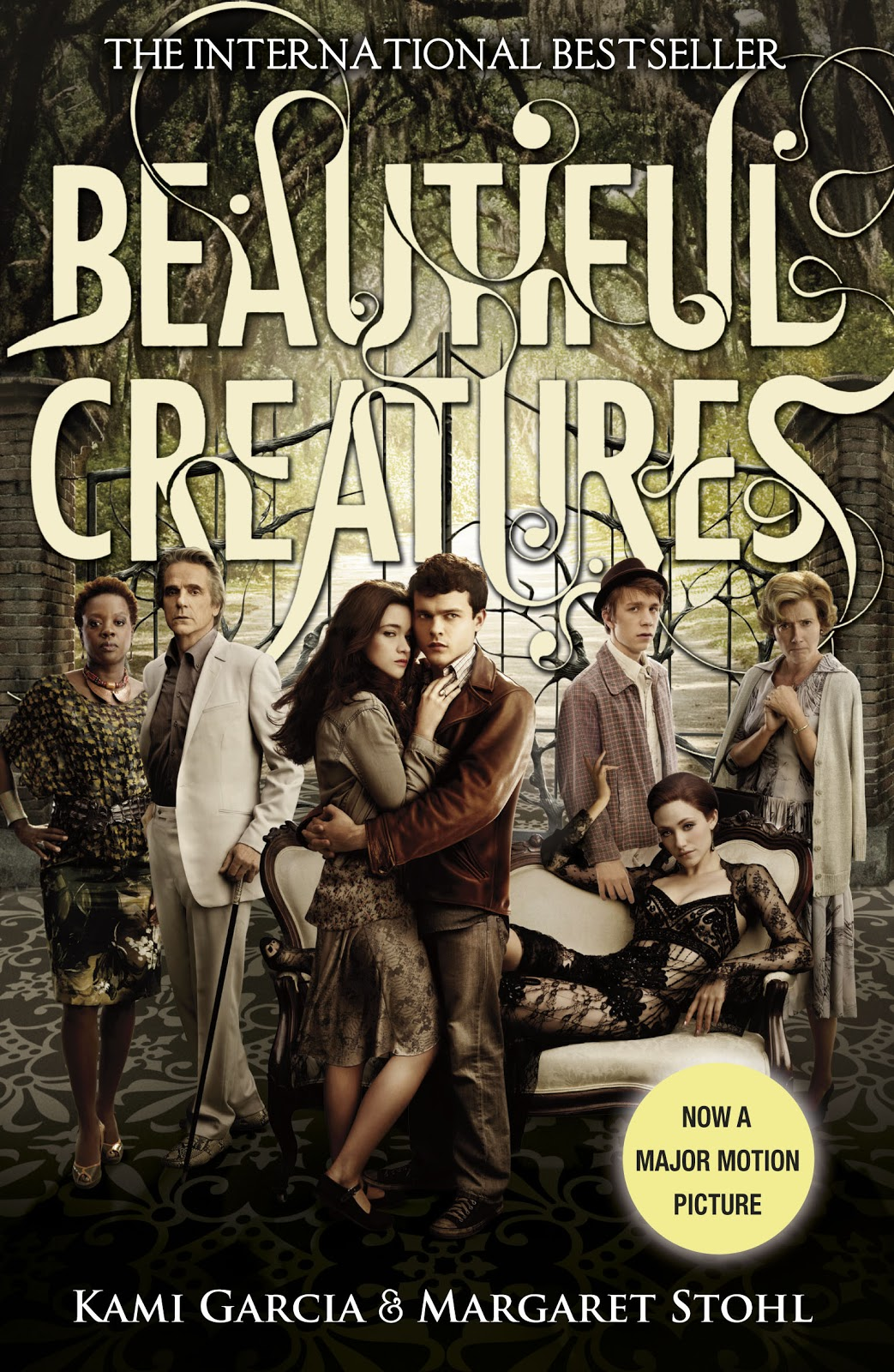 annettes book spot book review beautiful creatures by