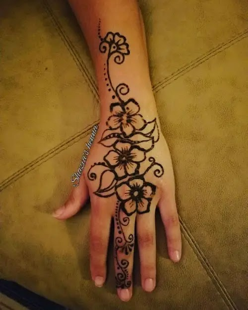 Simple-flowers-with-small-henna-design