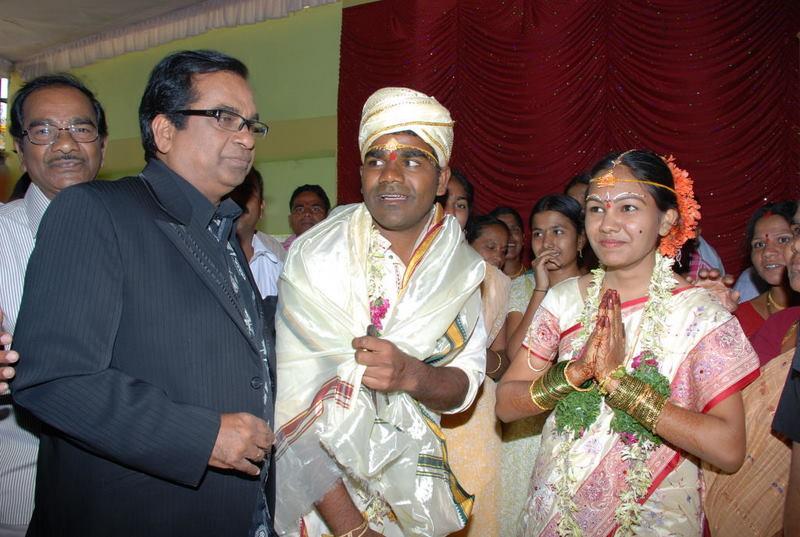 Telugu lovers sex my skype id moddatelugu09 add me - 4 6