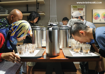 Cupping for Professional Class 5758 Coffee Lab