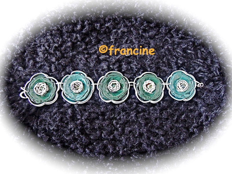 "Préférence FRANCINE BRICOLE : Bracelets ""capsules nespresso"" à 5 fleurs KL16"
