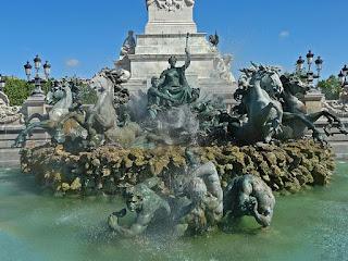 Monumento a los Girón dinos, free tour por burdeos