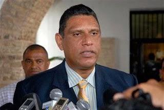 Jesús Vásquez desmiente haya acudido a centro médico aquejado de salud.
