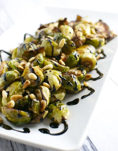 ROASTED BRUSSELS SPROUTS WITH TOASTED PINE NUTS AND BALSAMIC GLAZE #vegan #roasted #breakfast #mushroom #food