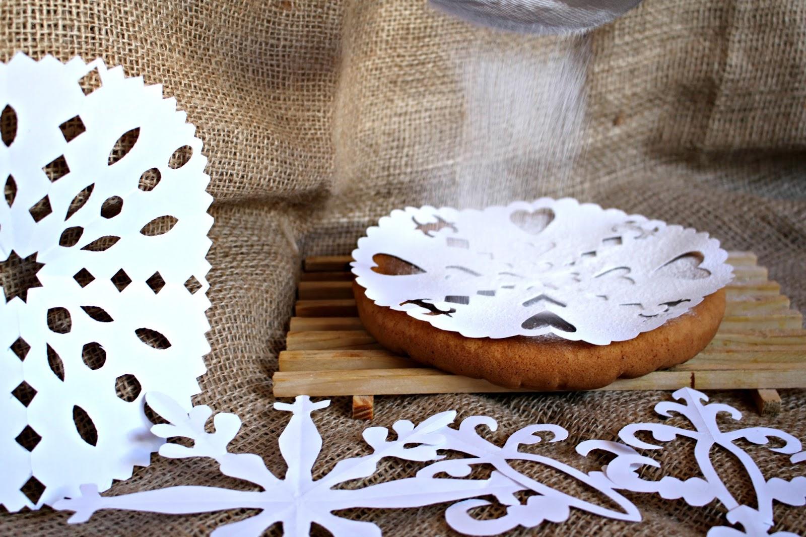 C mo hacer plantillas de papel para decorar tartas y - Plantillas para reposteria ...