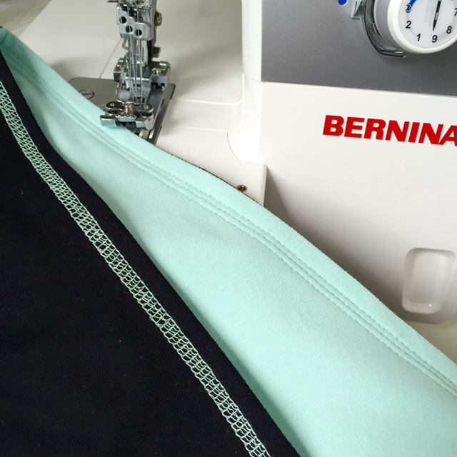 Meine Bernina Coverlock - Covernähte in mint