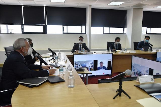 Titular de la SCT se reúne con el presidente regional de Huawei y su equipo