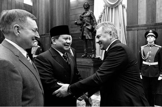 Prabowo Posting Foto Pertemuan dengan Menhan Rusia, Netizen: Macan Asia is Back