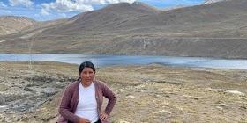 La 'Cholita Isabel', la youtuber de pollera que muestra sus aventuras en las montañas bolivianas