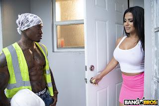 Rose-Monroe-%3A-Miss-Monroe-Bangs-Construction-Worker-%23%23-BANG-BROS-l7efspoeq3.jpg