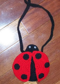 http://translate.googleusercontent.com/translate_c?depth=1&hl=es&rurl=translate.google.es&sl=auto&tl=es&u=http://mama24boyz.blogspot.com.es/2008/03/litltle-girls-ladybug-purse-pattern.html&usg=ALkJrhim7mBPAIxKoBwsawC2Y17-0Ktv0Q