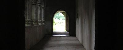 Droga do światła jako prawdy - budynek sakralny, świątynia
