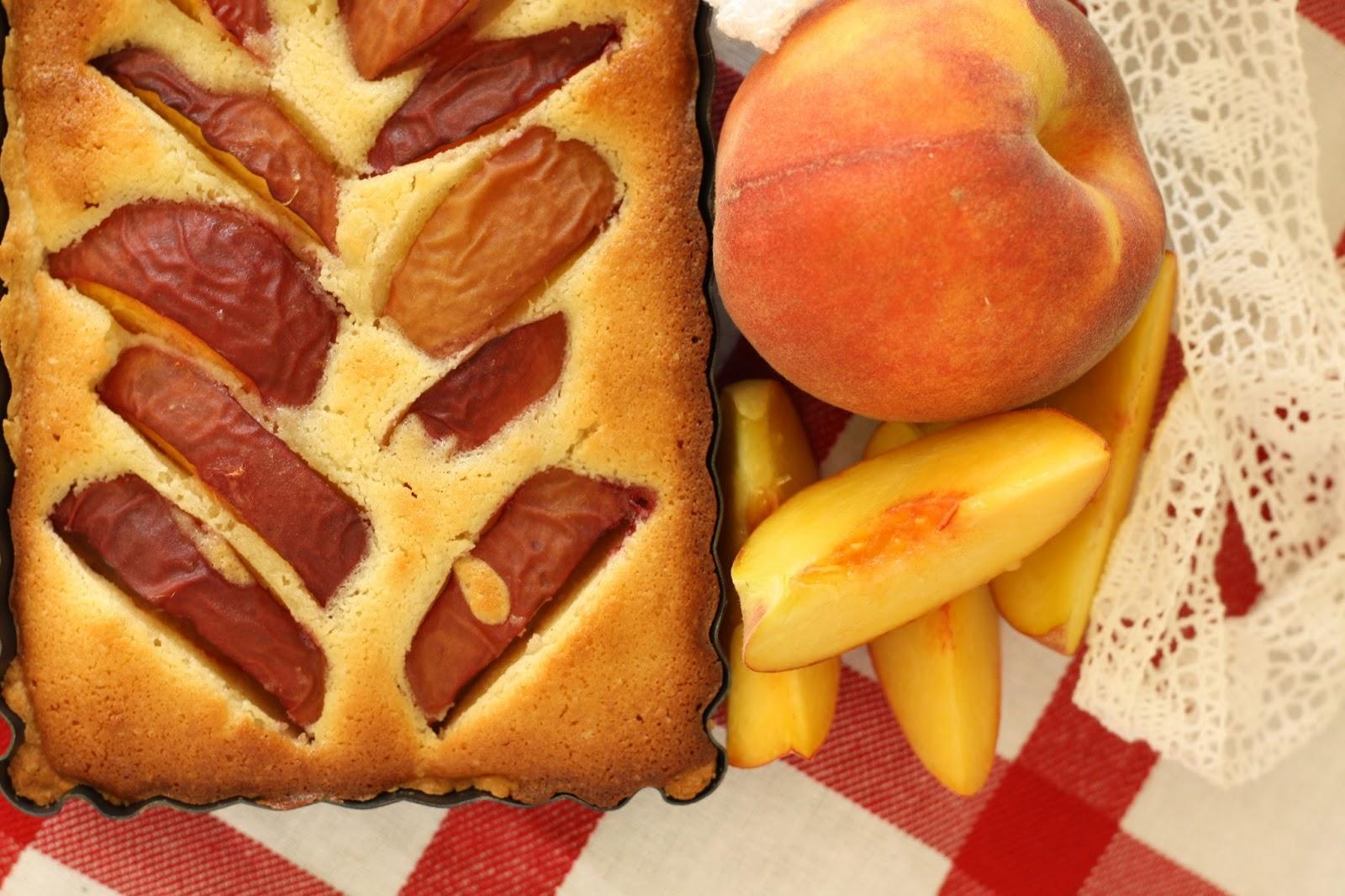 Ferskentærte med marcipan