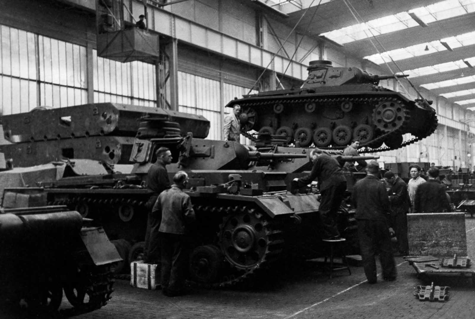 Una fábrica de tanques alemanes. 15 de mayo de 1940.