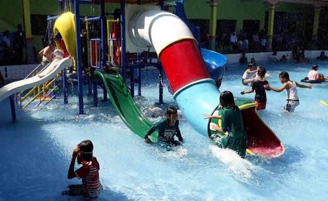 Taman Rekreasi Banyu Biru Magetan