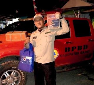Paska Rumahnya Tertimbun Longsor , BPBD dan Relawan Bantu Bencana Salurkan Bantuan