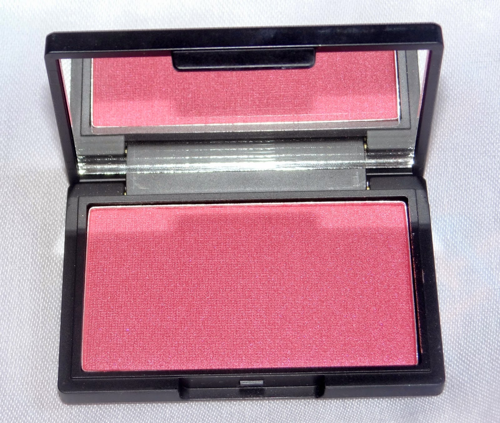 Sleek Makeup Pomegranate blush- review and swatches