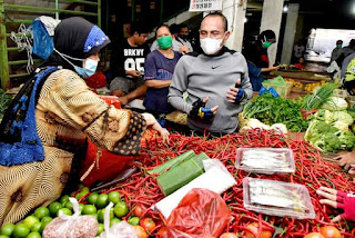 Tinjau Harga Bahan Pokok Pasar Petisah, Gubernur: Harga Relatif Stabil