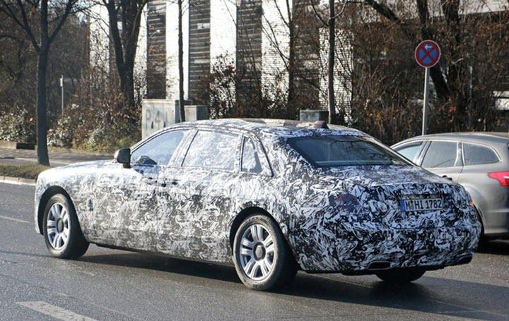 Xe siêu sang Rolls-Royce Ghost đời mới lần đầu lộ diện