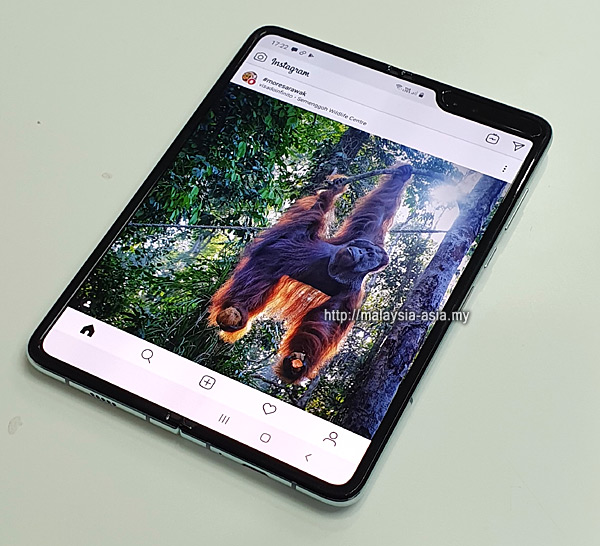 Instagram with Galaxy Fold
