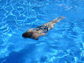 Anda Hobi Berenang?? Inilah Manfaat Dahsyat Berenang Bagi Kesehatan Tubuh Anda