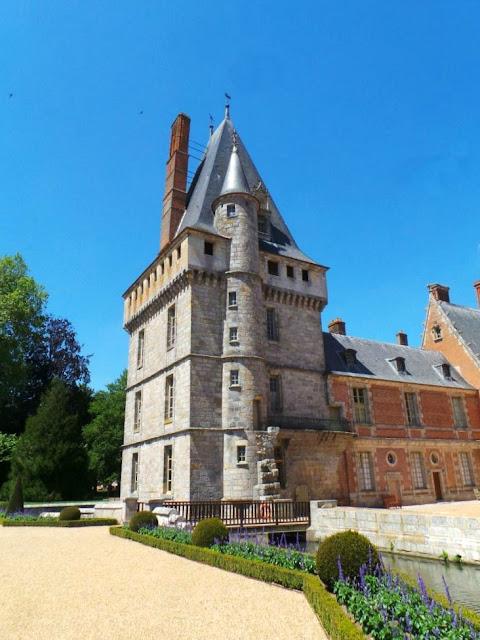Château Maintenon Françoise d'Aubigné Louis XIV Eure et Loir monument historique Madame de Maintenon