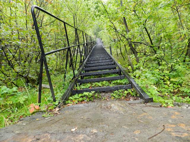 Железная лестница на Двуглавую сопку в национальном парке Таганай
