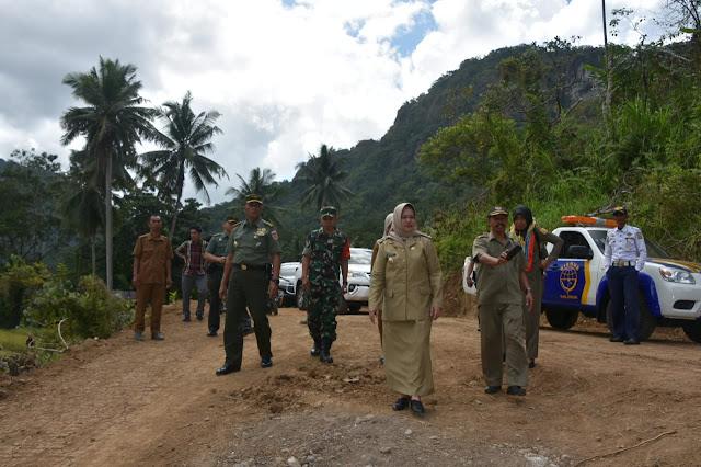 Didampingi Danrem 141/Tp dan Wabup Sinjai, Tim Wasev Mabes TNI Kunjungi Lokasi TMMD Kodim 1424/Sinjai