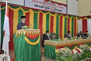 Walikota Sabang Nazaruddin, SIKom Sedang pidato sambutan HUT Kota Sabang ke 55 pada Sidang Paripurna DPRK Sabang