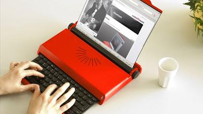 Computadora con apariencia de maquina de escribir