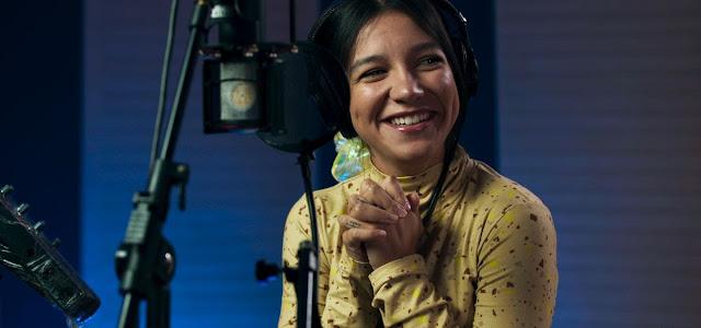 Priscilla Alcântara empresta a voz para música original da animação 'A Caminho da Lua', da Netflix
