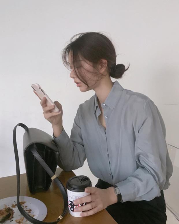 Tia UV từ những chiếc màn hình điện thoại, máy tính là rất nhỏ để tạo nên sự khác biệt