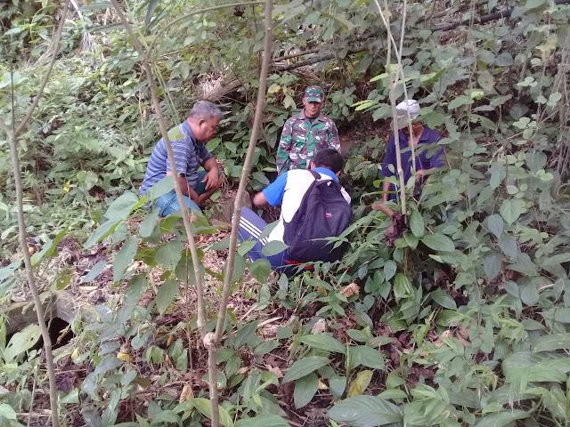 Babinsa Ds Tarohan Selatan Bersama Pemerintah Desa Survey Mata Air Untuk Kebutuhan Air Bersih