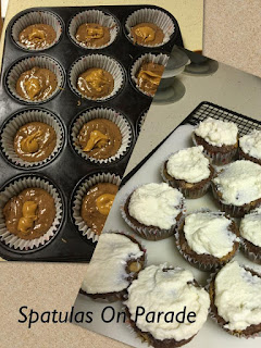 Blog With Friends, Fall Favorites | Chocolate Faux Peanut Butter Cupcakes with Cream Cheese Frostingby Dawn of Spatulas on Parade | Shared on www.BakingInATornado.com