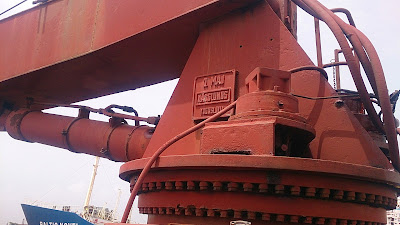 Ship, Deck, engine, marine, safe working load, SWL, motor, hydraulic, Ship Recycling, Shipbreaking, boom, knuckle, static, telescopic,