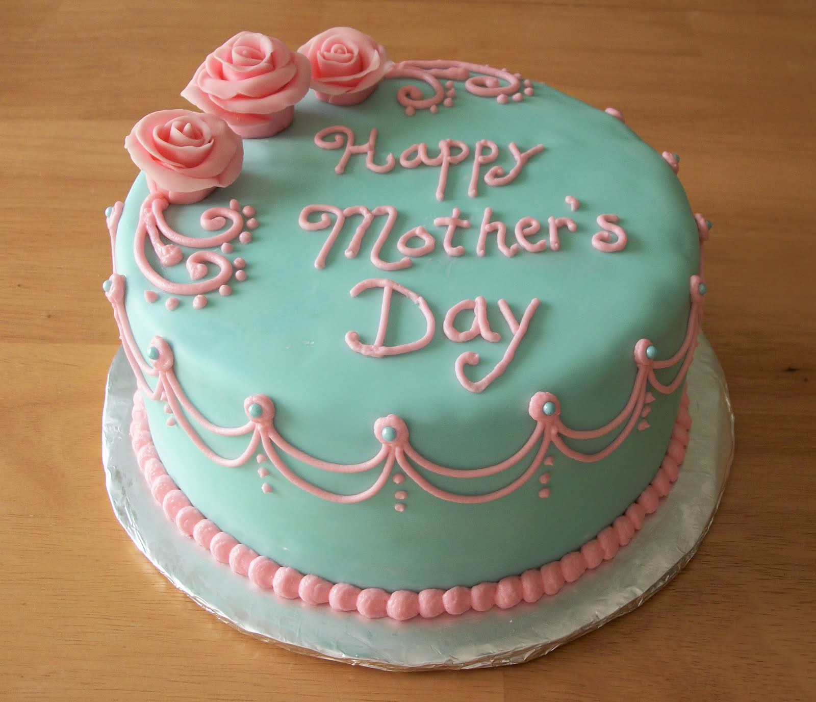 Mothers Day Cake With Strawberries