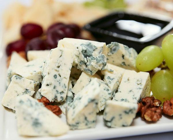Rokfor Peyniri Nedir? Nasıl Yapılır?