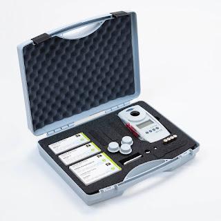 Photomètre testeur Chlore, pH, Stabilisant pour l'analyse de l'eau piscine