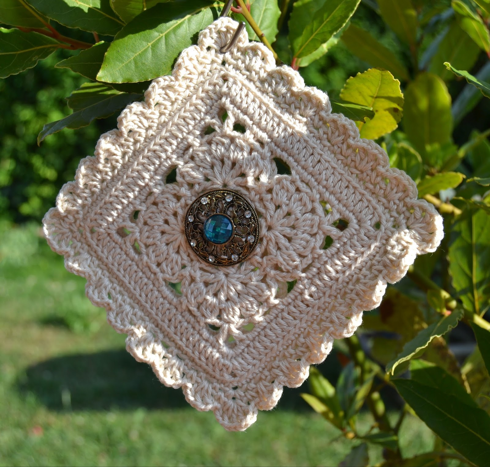 Atelier Marie-Lucienne: Granny Square: The Flower Within – Die ...