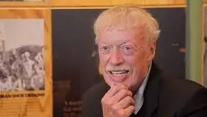 Phil knight biography (Nike founder)
