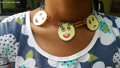 papaer pin necklace