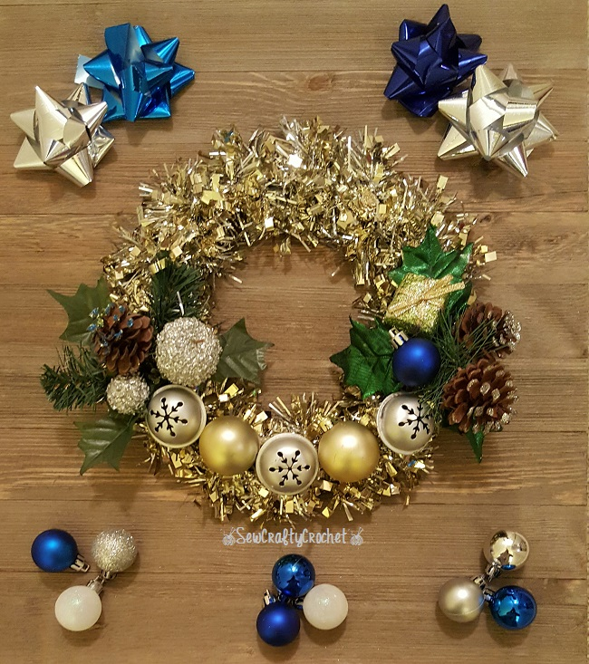 Silver & Gold Mini Christmas Wreath