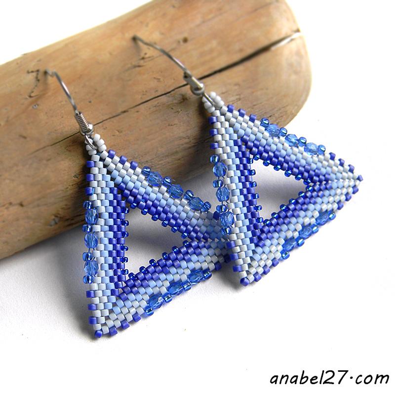 Серьги-треугольники из бисера