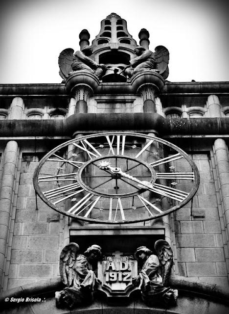 Close-up do antigo Relógio do Mosteiro de São Bento - Centro Histórico - São Paulo