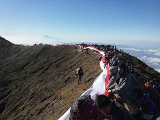 Jalur Pendakian Gunung Ciremai Apuy Yang Menjadi Favorit Pendaki