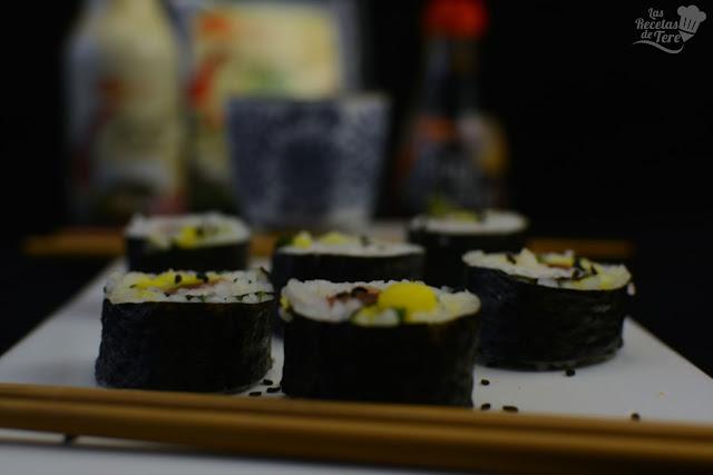Maki sushi con atún, mango y apio tererecetas 03