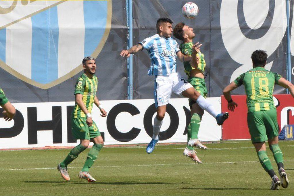 Sobre la hora, Atlético Tucuman rescata un punto frente a Aldosivi