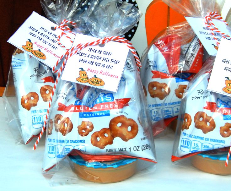 Stand back and admire your Skippy Singles Peanut Butter Gluten-Free Halloween  Treat Bags. You now have a delicious treat to hand out for Halloween or use  as ... 9f73ffdca24f